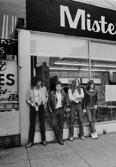Thin Lizzy - Black Rose lineup 1979, Philadelphia. Phil Lynott, Scott Gorham, Gary Moore, Brian Downey