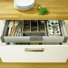 organized cutlery drower