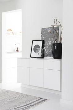 Dwelling Style Floor Strategy - How To Purchase A Home Layout Flooring Approach? 35 Tidy And Stylish Ikea Besta Units Home Design And Interior White Chest Of Drawers, White Chests, Hallway Inspiration, Interior Inspiration, Scandinavian Home, White Decor, Home And Living, Living Room, Nordic Living