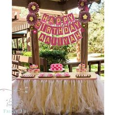 """Sweet Pink and Gold 1st Birthday #Eventstyling #partyplanning #girlyparty #chicbirthday #kidsparties #kidsparty #firstbirthday  #decorations #partydecor…"""
