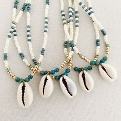 Cowrie Shell Necklace, Shell Choker, Beaded Choker Necklace, Seed Bead Necklace, Shell Necklaces, Boho Necklace, Beaded Bracelets, Pearl Choker, Necklace Ideas
