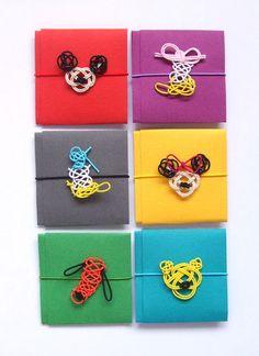 水引の色合いと、ミニ金封(ぽち袋)のカラフルな色合いがベストマッチング。ディズニー風のキャラクターがキュートにデフォルメされています。