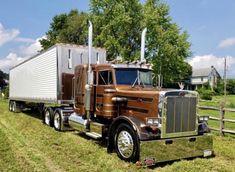 Big Rig Trucks, Semi Trucks, Cool Trucks, Peterbilt 379, Peterbilt Trucks, Classic Trucks, Slammed, Rigs, Cars Motorcycles