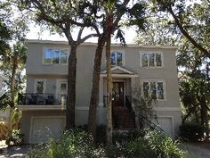 Beautiful 6 Bedroom with private pool, steps to beach!