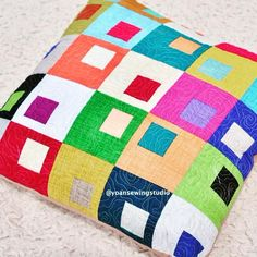 Patchwork Quilting, Scrappy Quilt Patterns, Beginner Quilt Patterns, Patchwork Pillow, Modern Quilt Patterns, Quilted Pillow, Scrappy Quilts, Easy Quilts, Mini Quilts