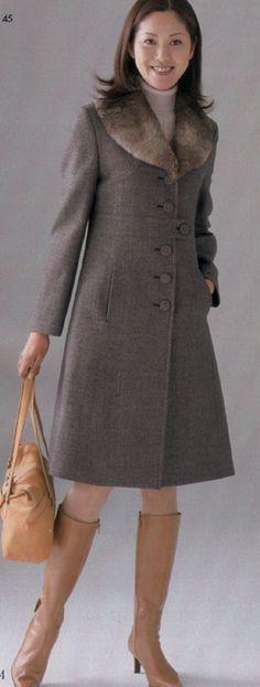 21 melhores imagens de Casacos de grife   Chanel jacket trims ... 09a0b6fcf4