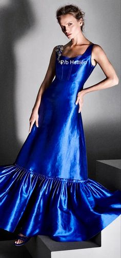 Stairs And Doors, Alberta Ferretti, Strike A Pose, Sassy, Poses, Formal, Chic, Classic, Blue