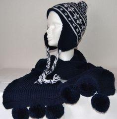 Mütze und Schal Set dunkelblau gestrickt von VerStrickt und zuGenäht Kiel auf DaWanda.com  Derzeit nicht verfügbar im Shop, kann aber bestellt werden.