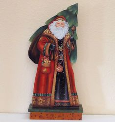 Hand painted Santa Claus with Christmas tree from Visual Gems Studio - she has done a beautiful job on his face; so many paint faces that are not so good! Just found out the name of the artist is Velvet Tetrault from Arizona, USA.
