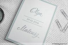 Ręcznie wykonane, wyjątkowo eleganckie zaproszenie ślubne, w którym głównymi elementami są kaligrafowane Imiona Państwa Młodych oraz napis rsvp.