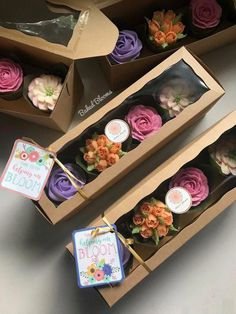 New Succulent Wedding Cupcakes Fondant 15 Ideas Cupcake Packaging, Baking Packaging, Dessert Packaging, Cupcakes Packaging Ideas, Flower Cupcakes, Strawberry Cupcakes, Easter Cupcakes, Christmas Cupcakes, Cupcake Bouquet Diy