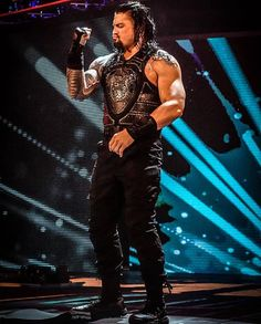 Credit to kimberlasskick Roman Reigns Wwe Champion, Wwe Superstar Roman Reigns, Roman Reigns Smile, Wwe Roman Reigns, Roman Reigns Workout, Roman Empire Wwe, Beautiful Joe, Roman Regins, My Champion