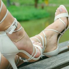 Sexy Sandals, Bare Foot Sandals, Strappy Heels, Beautiful High Heels, Gorgeous Feet, Sexy Legs And Heels, Hot High Heels, Stilettos, Talons Sexy