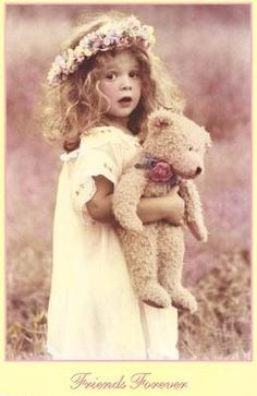 I know this is so vintage but it reminds me of my childhood when I ran through my Granny's garden to pick flowers for our breakfast table! Love Vintage, Vintage Girls, Vintage Beauty, Vintage Prints, Vintage Children Photos, Vintage Pictures, Vintage Images, Cute Pictures, Vintage Illustration