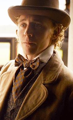 "Tom Hiddleston in "" Return to Cranford "" ~ He was so adorable in this :) xx <<< blond curls are my weakness Thomas William Hiddleston, Tom Hiddleston Loki, Girls Toms, Thomas Sharpe, Masterpiece Theater, British Actors, Prince Charming, Benedict Cumberbatch, Jane Austen"
