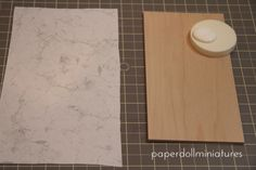 Paper Doll Miniatures: Tutorial for making marble counters with paper rather than paint.