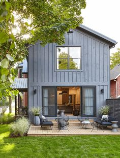 Sarah Off The Grid, S2: Exterior & Back Deck paint dulux charcoal slate