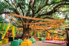 ShaadiSaga - India's most trusted Wedding Planning platform Mehendi Decor Ideas, Mehndi Decor, White Roses, Pink Roses, Banarasi Lehenga, Destination Wedding, Wedding Planning, Wedding Book, Wedding Trends