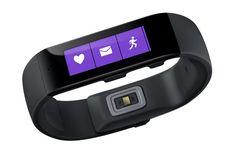 Com tela de 1,4 polegada, a pulseira inteligente Band é a primeira investida da Microsoft no segmento de dispositivos vestíveis. Com foco nas atividades físicas, ela tem como vantagem em relação às concorrentes o fato de poder sincronizar com celulares iOS, Android e Windows Phone, através do app Microsoft Health. No G1.