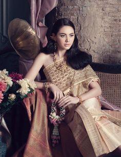 Beautiful Davika wearing traditional dress