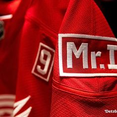 #RedWings to wear commemorative patch in honor of Mike Ilitch. | #lgrw