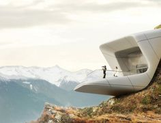 Zaha Hadid and Reinhold Messner | Abitare En
