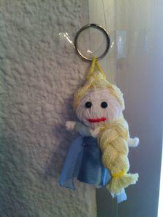 Vodoo doll Elsa-Frozen Diy Voodoo Doll Keychain, Diy Voodoo Dolls, Elsa Frozen, Lana, Craft Ideas, Personalized Items, Crafts, Felting, Fabrics