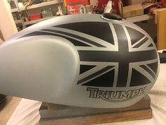 Discover recipes, home ideas, style inspiration and other ideas to try. Triumph Motorbikes, Triumph T120, Triumph Cafe Racer, Yamaha Bikes, Triumph Bonneville, Triumph Motorcycles, Cafe Racers, Custom Motorcycles, Custom Bikes