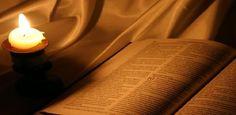 Si usa il termine apocrifo riguardo a libri, scritture o passi di scritture attribuiti falsamente ad un autore. Presso gli Ebrei sono considerati apocrifi
