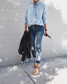 """justthedesign: """"Denim on denim has long been a must-wear trend, bringing back retro vibes which we adore. Andi Csinger is rocking the look in an oversized boyfriend shirt and distressed denim jeans. New Street Style, Spring Street Style, Street Styles, Summer Street, Style Summer, Spring Summer, Denim Fashion, Look Fashion, Fashion Outfits"""