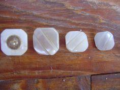 http://www.laines-aquareve.com/boutique-45-2--bouton-de-nacre-.html
