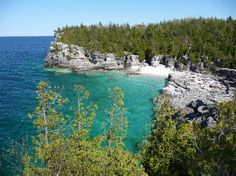 Went here all the time as a child, most beautiful waters, the grotto is gorgeous, and fun cliff jumping. Hopefully return again :) Tobermory Canada, Tobermory Ontario, Oh The Places You'll Go, Places Ive Been, Places To Visit, 7 Continents, Cliff, Dream Vacations, Where To Go