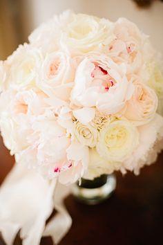 pink + white peony bouquet | Lauren Friday #wedding