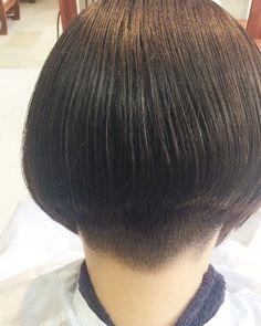 . 個性派ボブスタイル。 キレイなラインが魅力的なヘアスタイルです* . #ボブ #個性的ヘア #個性的 #ワカメちゃん #可愛い#モード#カジュアル#cadeau#カドー#千林大宮 #旭区#千林商店街#千林美容室#森小路#美容室#ヘアサロン#