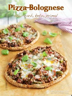 Try this Keto Pizza Bolognese recipe, or contribute your own. Ketogenic Recipes, Paleo Recipes, Low Carb Recipes, Low Carb Pizza, Low Carb Keto, Keto Snacks, Keto Dinner, No Carb Diets, Quick Meals