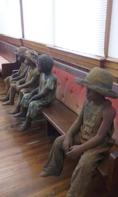 Woodrow Nash's ceramic and bronze full figured slave children America's first slavery museum shifts is focus from the masters to the slaves. The Whitney Plantation in Wallace, Louisiana.