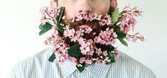 Si sa, l'estate è sempre tempo di tendenze, mode strane e curiose. Dopo il mezzo slip dal web arriva una nuova moda, per fortuna più carina e divertente: la barba floreale. #summer2014 #Flowerbeard http://paperproject.it/lifestyle/another-sunny-day/flowerbeard-addobba-barba-fiori/