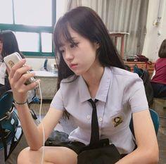 ULZZANG PICT Hunnam hunnyeo🌱 Req pict hunnam or hunyeo,vsco tutorial ala hunnam hunyeo,good food comment and vote. Cute Japanese Girl, Cute Korean Girl, Poses, Moda Ulzzang, Japonese Girl, Girl Korea, Ulzzang Korean Girl, Uzzlang Girl, School Uniform Girls