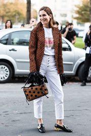 Street style at Paris Fashion Week Spring/Summer 2018 | Vogue Paris