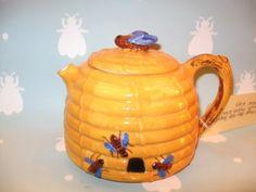 Vintage Bee Hive Teapot