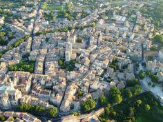 Uzès, la cité au mille secrets Pont Du Gard, The Good Place, City Photo, Mille, Amazing Places, Tourism