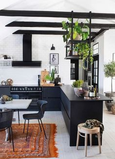 Kitchen Interior, Kitchen Design, Kitchen Decor, Beautiful Kitchens, Beautiful Interiors, Tiny Studio Apartments, Urban Kitchen, Attic Apartment, Apartment Layout