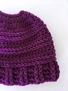 Messy Bun Hat Crochet Pattern: free crochet pattern for a messy bun/ponytail beanie | She's Got the Notion