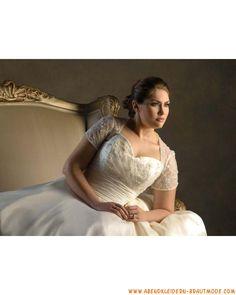 Große Brautkleider aus Satin mit Schleppe mit Ärmel Applikation