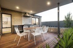 #alfresco #backyard #deck #outdoorliving #outdoortable #outdoordining #bqq