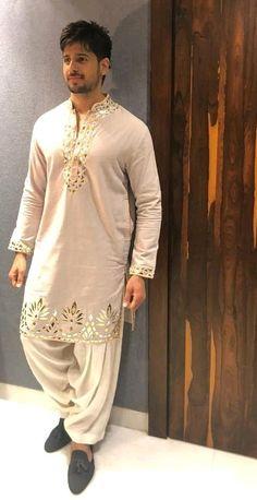 Mens Indian Wear, Mens Ethnic Wear, Indian Groom Wear, Indian Men Fashion, Mens Fashion Wear, Suit Fashion, Wedding Kurta For Men, Wedding Dresses Men Indian, Wedding Dress Men