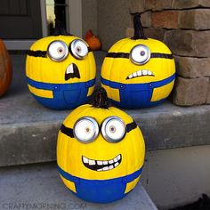 painted pumpkins Make no-carve minion pumpkins from the movie despicable me! It is so fun painting them and they are great for a Halloween decoration. Diy Halloween, Holidays Halloween, Halloween Pumpkins, Halloween Decorations, Minion Halloween, Pumpkin Decorations, Preschool Halloween, Fall Crafts, Holiday Crafts