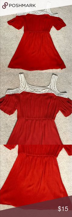 Papaya Cold-Shoulder Dress - Size Medium This dress is stunning! I've only worn it out once (as seen in the pictures) and it is a harvest orange color. The dress is in perfect condition with no damage! Pairs beautifully with sandals and wedges! Papaya Dresses