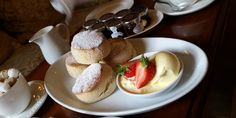 Summer is on the way and what better way to get you in the mood than a lovely Devon cream tea! Enter our view 2016 competition to win a delicious afternoon tea from the Delimann. South Devon, Cream Tea, What You Eat, Taste Buds, Afternoon Tea, Ham, Make It Simple, Dining, Breakfast