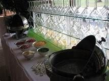 10 delicious food stations for your wedding - Articles - Easy Weddings Mashed Potato Bar, Mashed Potatoes, Easy Weddings, Food Stations, Delicious Food, Articles, Wedding Ideas, Whipped Potatoes, Smash Potatoes